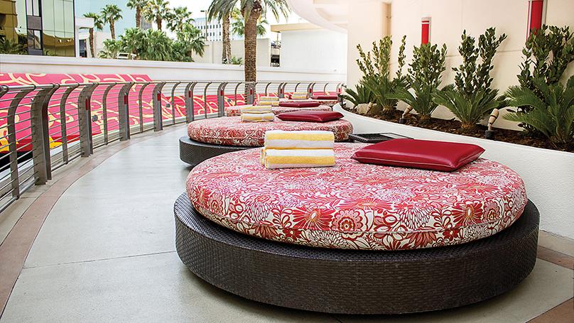 Terrace Level Beds | Golden Nugget Las Vegas