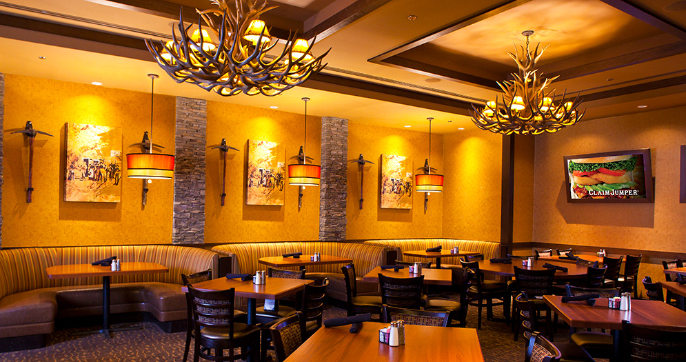 Claim Jumper Interior