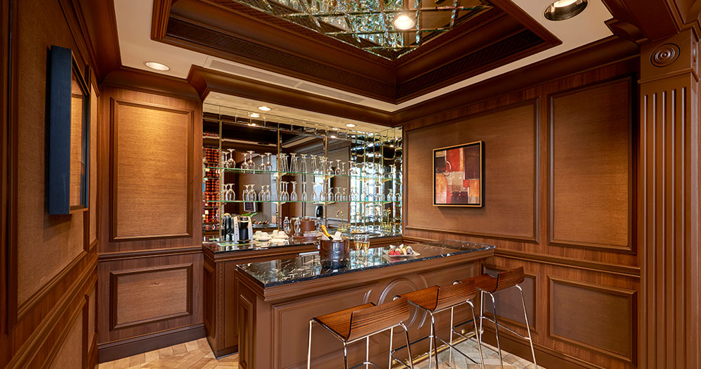 Bar in Golden nugget Suite