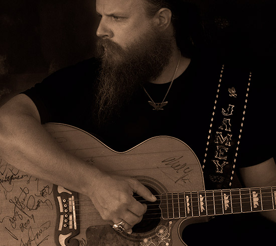 Jamey-Johnson-550x490.jpg