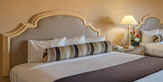 Laughlin Hotel Rooms Golden Nugget Laughlin